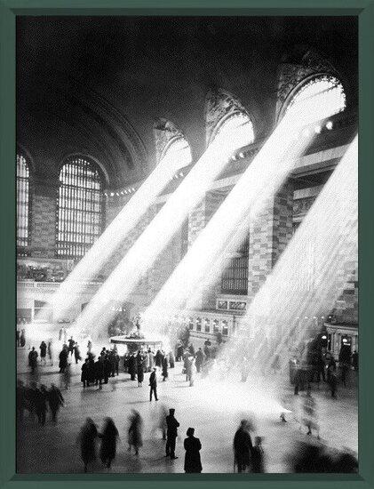 NEW YORK - Sunbeam in Grand Central Station Art Print