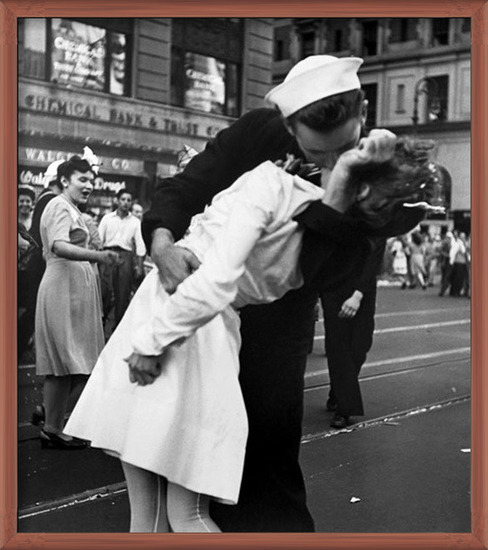 New York - Kissing The War Goodbye at The Times Square, 1945 Art Print